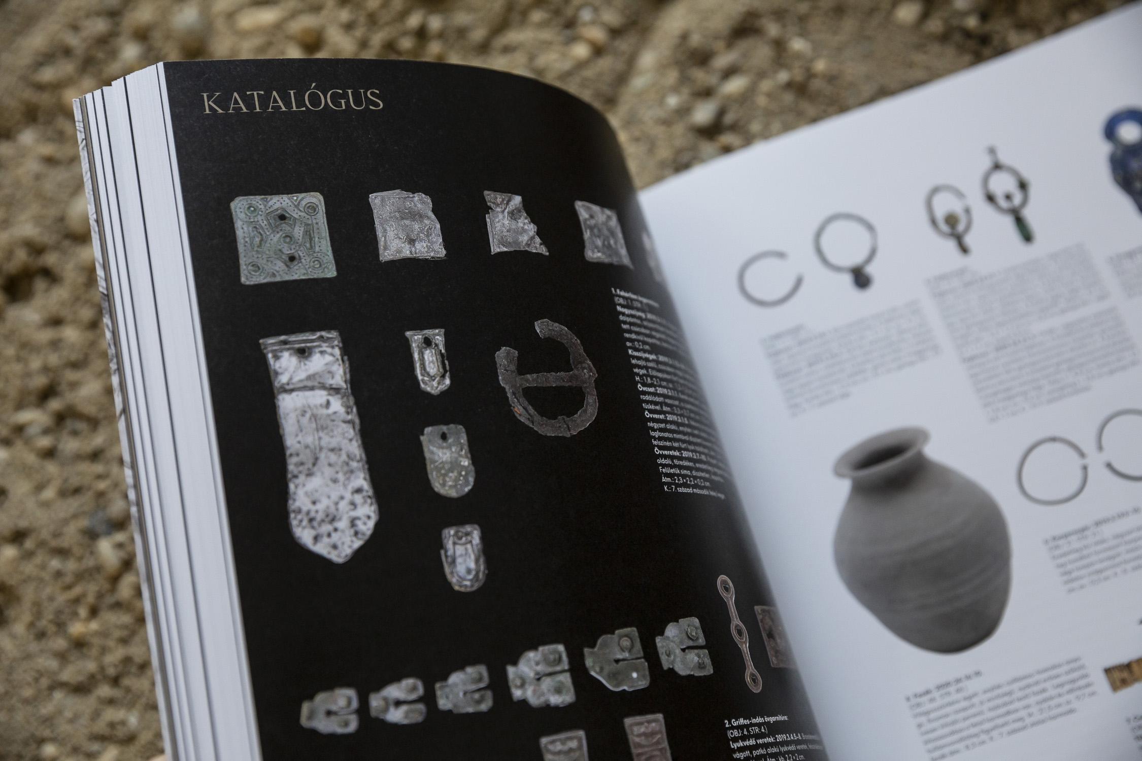 Megjelent a Kincskeresés, kaland, tudomány kiállítás régészeti katalógusa